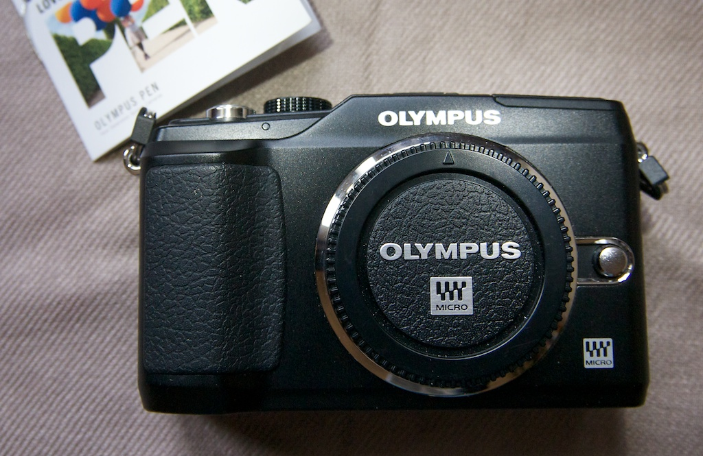 For Sale: Olympus E-PL2 &amp; 14-42mm Lens