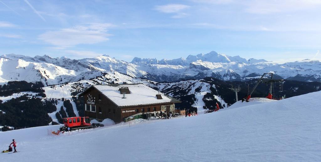 Mont Chery Summit